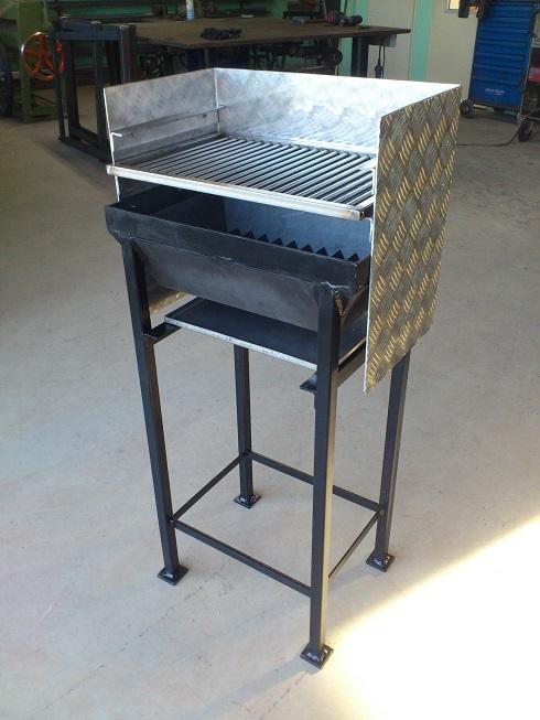 robuster grill kleinster mobiler gasgrill. Black Bedroom Furniture Sets. Home Design Ideas